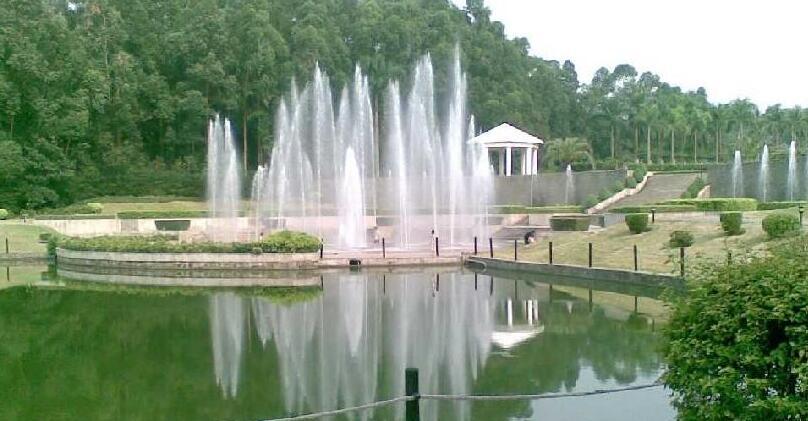 景观喷泉在园林中的运用